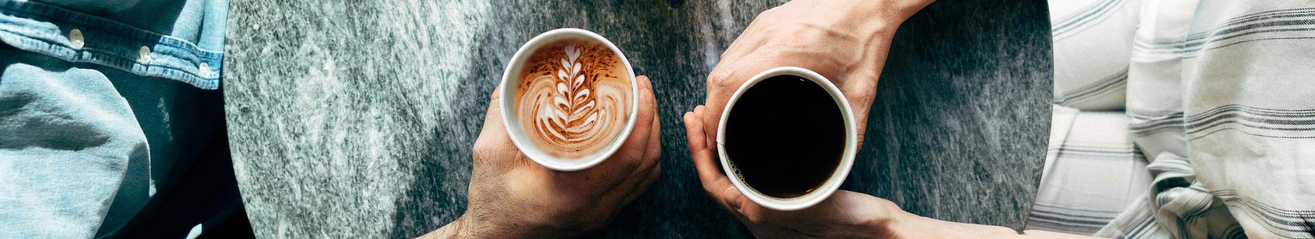 Kawa biała czy kawa czarna?